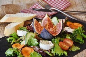 סלט פירות ובריאות